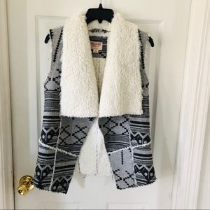 MOSSIMO grey aztec fur lined vest size small